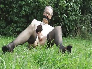CD Wanker in Stockings Masturbating Outside