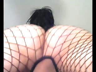 Webcam Sissyslut with Fat Wobbling Ass in Fishnet