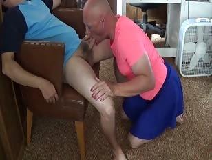Michael Karacson Sissy Faggot Crossdresser Gives Oral Blowjob