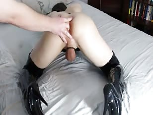 CD Robin Enjoys Hard Orgasm While Fingered